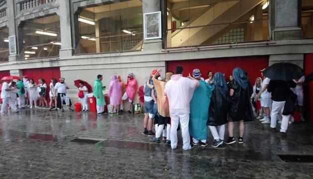 DIRECTO: Segunda corrida de toros de San Fermín bajo la lluvia