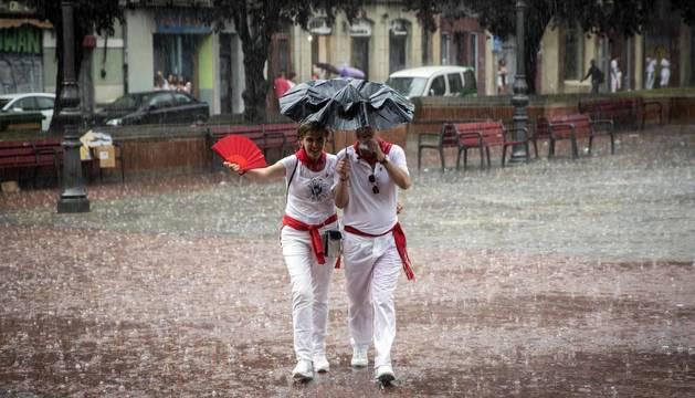 Fotos de Pamplona pasada por agua en el tercer día de Sanfermines