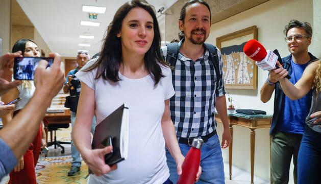 El secretario general de Podemos, Pablo Iglesias, y la portavoz de la formación, Irene Montero.