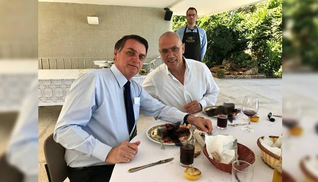 Foto que compartió el embajador de Israel y que tantos comentarios ha generado en Twitter.