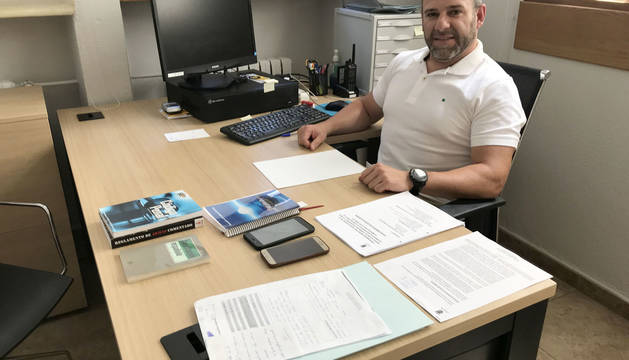 Rodrigo García de Galdiano, este miércoles, recién incorporado a su puesto de jefe de Policía en Estella.