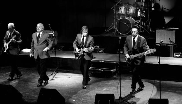 En primera fila, desde la izquierda, Juanjo Calvo, Antonio Miquel Corveró Leslie, José Fontsere y Guillermo Rodríguez. Detrás, el baterista Javier Fusté.