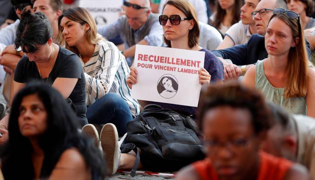 Imagen de una protesta de apoyo al tetrapléjico francés en estado vegetativo Vincent Lambert, en París.