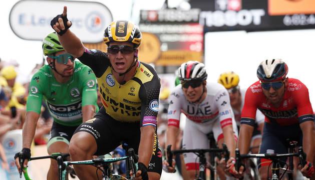foto de Groenewegen se impone en el sprint del Tour