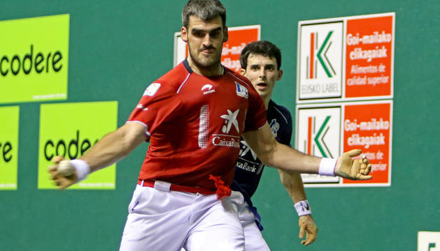 Ezkurdia golpea a la pelota este jueves en el Labrit.