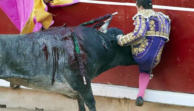 El torero ha sido atendido en la enfermería de la plaza de