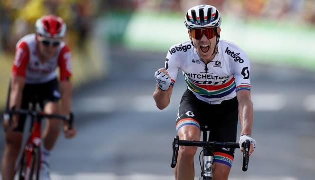 El sudafricano Impey logra, en una larga escapada, su primer triunfo en el Tour
