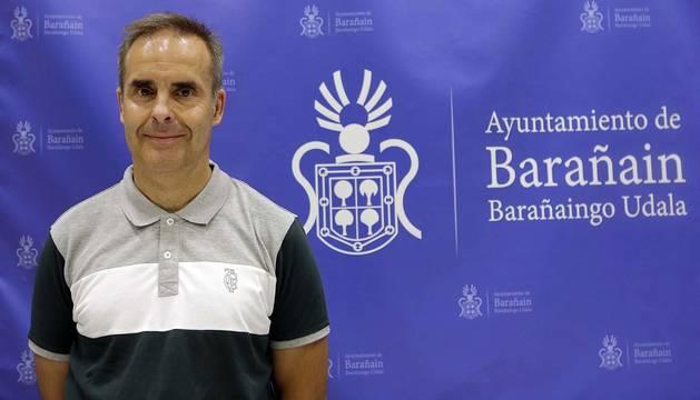 Carlos Eransus, nuevo Jefe de la Policía Municipal de Barañáin, en su presentación ante la plantilla.