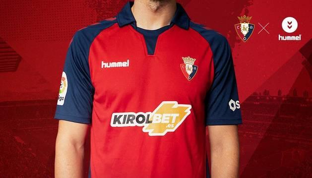 Osasuna ha presentado su equipación para su regreso a Primera División.