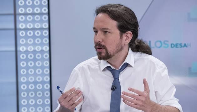 Foto de una entrevista en televisión al líder de Podemos, Pablo Iglesias.
