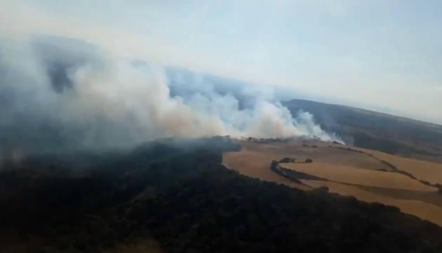 Imagen del vídeo del incendio declarado en las Bardenas Reales de Navarra y publicado por Bomberos de Navarra.