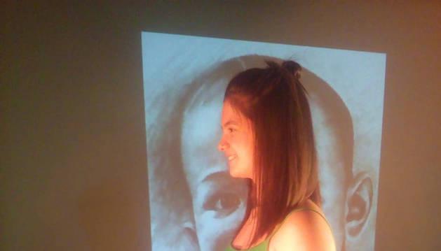 La actriz Uxue Olazaran ensayando 'Lorca niño'