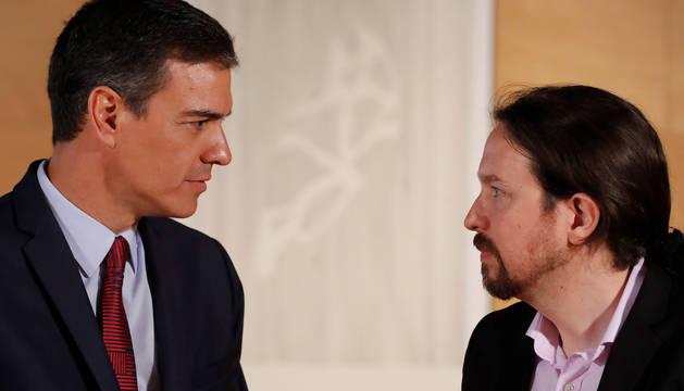 Foto de Pedro Sánchez y Pablo Iglesias, durante una ronda de consultas.