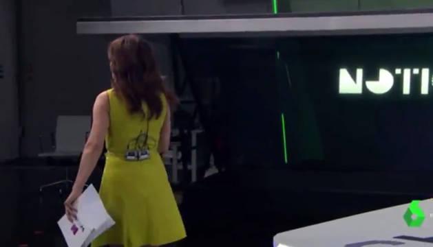 Helena resano durante el fallo de emisión del Informativo.