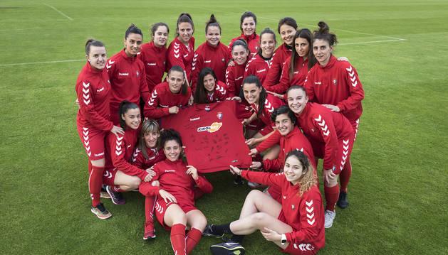 Las jugadoras de Osasuna Femenino en Tajonar.