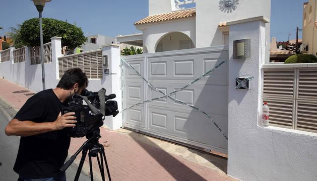 La vivienda de la urbanización Vallesa en Calpe en la que ha sido hallado el cuerpo de una mujer de 57 años asesinada presuntamente por su pareja.
