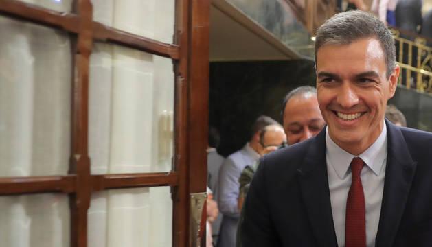 foto de El candidato socialista a la Presidencia del Gobierno, Pedro Sánchez, durante su intervención en la primera jornada del debate de investidura