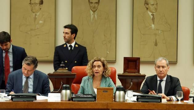 La presidenta del Congreso,Maritxell Batet,c., durante la sesión constitutiva de la Diputación Permanente del Congreso tras finalizar la segunda jornada del debate de investidura.