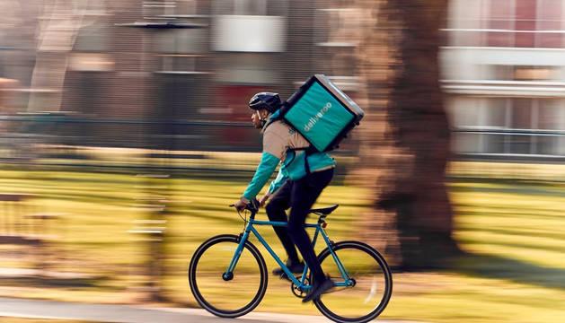 Imagen de un 'rider' de Deliveroo.