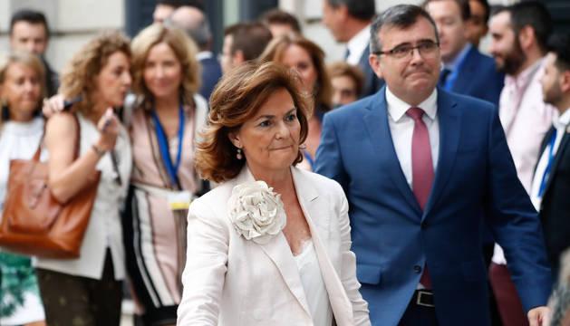 Imagen de la vicepresidenta en funciones, Carmen Calvo, a su entrada al hemiciclo este martes.
