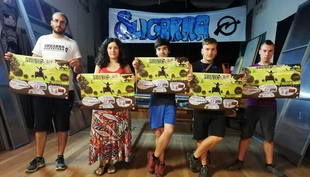 Algunos de los organizadores del espacio de las txosnas de Estella.