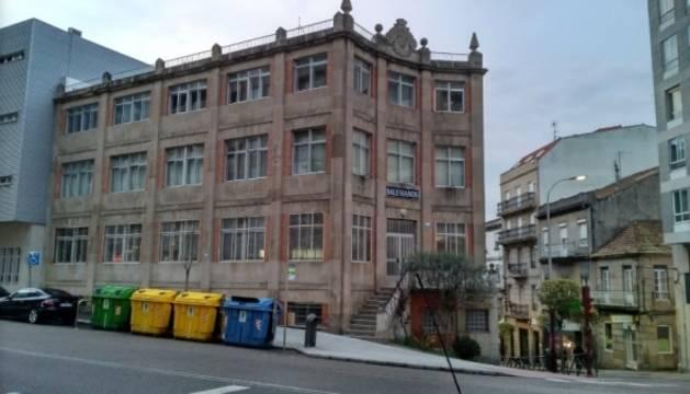 Fachada del colegio María Auxiliadora de Vigo.