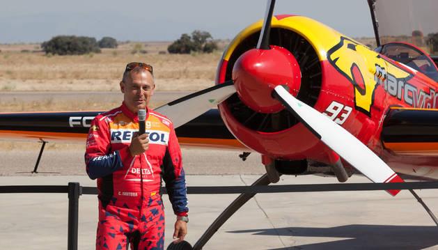 Cástor Fantoba, piloto navarro, en la presentación de la selección, ayer en Casarrubios (Toledo).