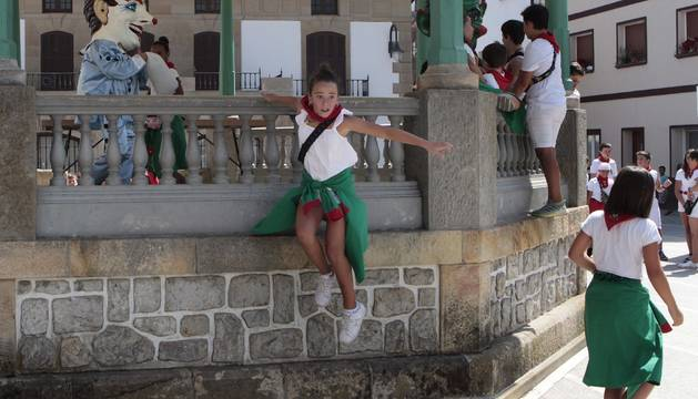 Cohete de fiestas de Santa Ana en Olazagutía 2019