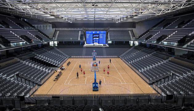 La pista central del Navarra Arena, que será el escenario del partido amistoso de la selección española, acogió varias pruebas, con tres encuentros, la semana pasada.