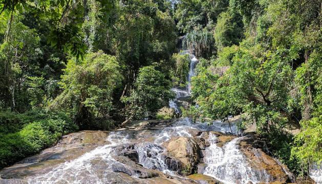 Cascada de Na Meung 2, donde desapareció el fallecido.