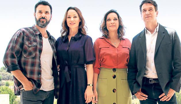 Foto de Mikel Fernández, Natalia Verbeque, Cristina Plazas y Oriol Tarrasón, que encarnan a los cuatro protagonistas.