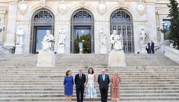 La Reina Letizia visita la Biblioteca Nacional e inaugura las salas María Moliner y Larra