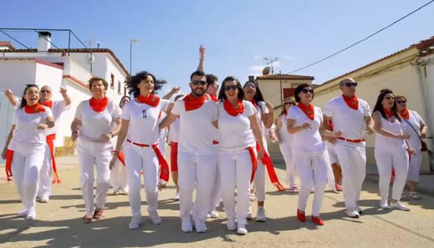 Foto del videoclip 'Fiestas', del Coro de Rada.