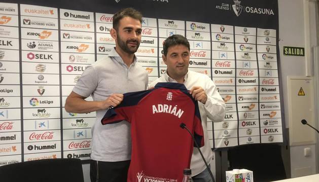 Presentación de Adrián López como nuevo jugador de Osasuna
