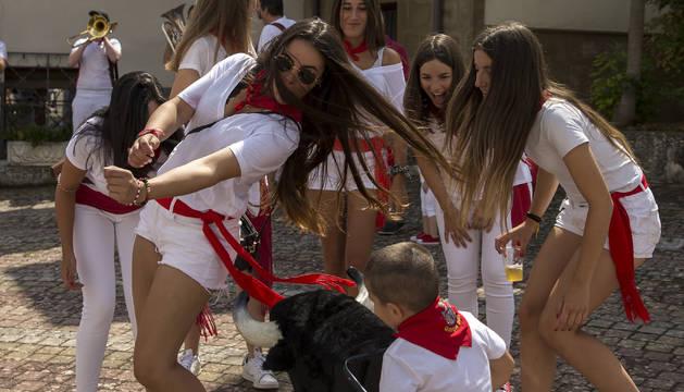 Fotos del cohete de fiestas de Beriáin Viejo 2019