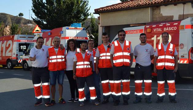 Foto de los voluntarios de Lodosa y de asambleas vecinas, en la sede de Cruz Roja en el municipio .