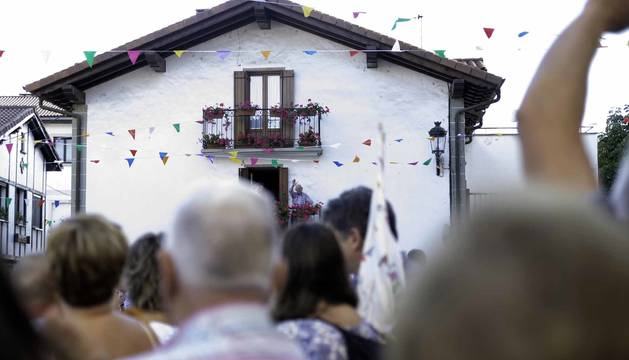Cuarenta años de tradición reconocida en el cohete de fiestas de Zubiri
