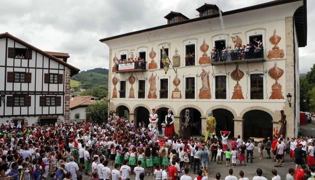 El cohete en Bera da comienzo a las fiestas de San Esteban