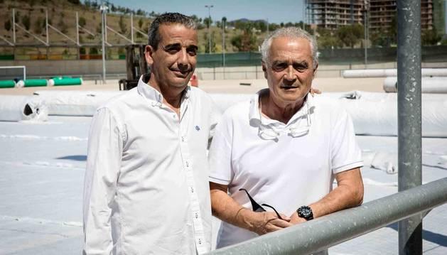 José María Muñoz (izquierda) es el nuevo presidente del Burladés tras los once años que ha estado Patxi Bator (derecha) al frente del club. En un Ripagaina en obras, coge el testigo.