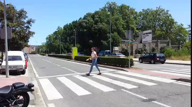 Atropello en la Avenida de Navarra con dos heridas