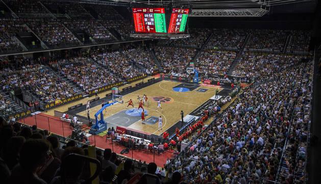 Aspecto que presentaba el Navarra Arena durante el partido amistoso España-Lituania.