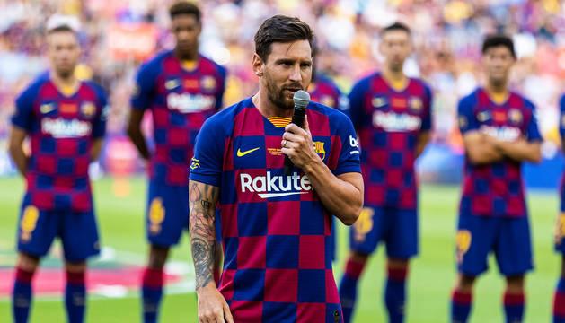 Lionel Messi durante la presentación del equipo antes del encuentro contra el Arsenal en el Trofeo Gamper.