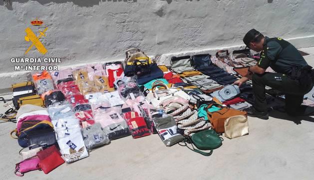 Foto de algunos de los productos incautados.