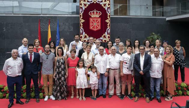 Foto de la familia de la presidenta María Chivite.