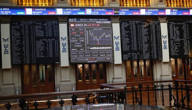La Bolsa española cae un 0,14 % tras la apertura, hasta los 8.766 puntos