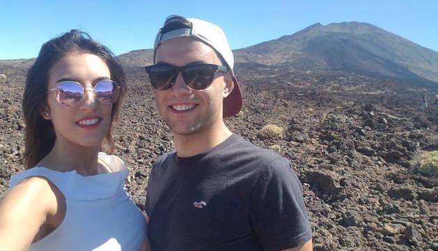 Dani Saldise, junto a su novia Nerea, en sus vacaciones en Tenerife.