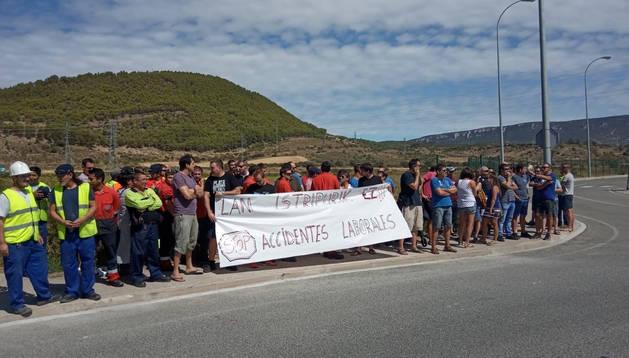 Foto de miembros de ELA, durante la protesta.