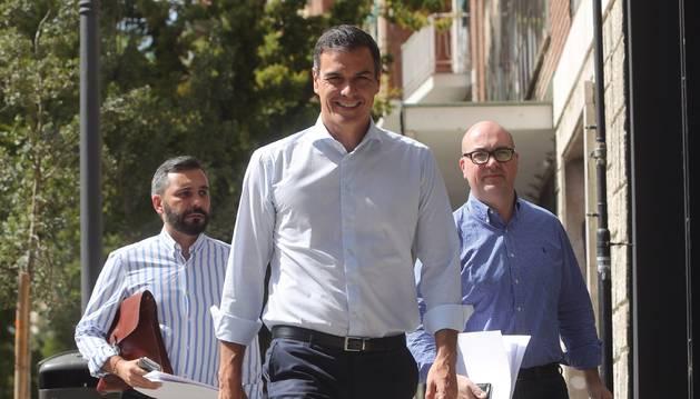 Foto del presidente del Gobierno en funciones, Pedro Sánchez, a su llegada a una reunión.