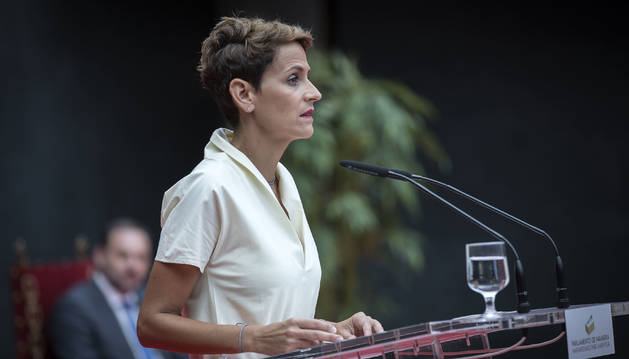 Foto de la toma de posesión de la nueva presidenta de Navarra, María Chivite.