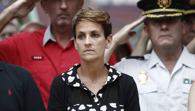 La presidenta del Gobierno de Navarra, María Chivite, durante le homenaje que se le ha tributado al subteniente Francisco Casanova, militar que trabajaba en el cercano acuartelamiento de Aizoain, asesinado por terroristas de ETA hace diecinueve años.